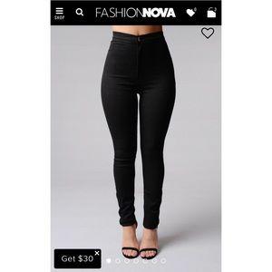 Fashion Nova Black Skinnies Jeans Plus size 13